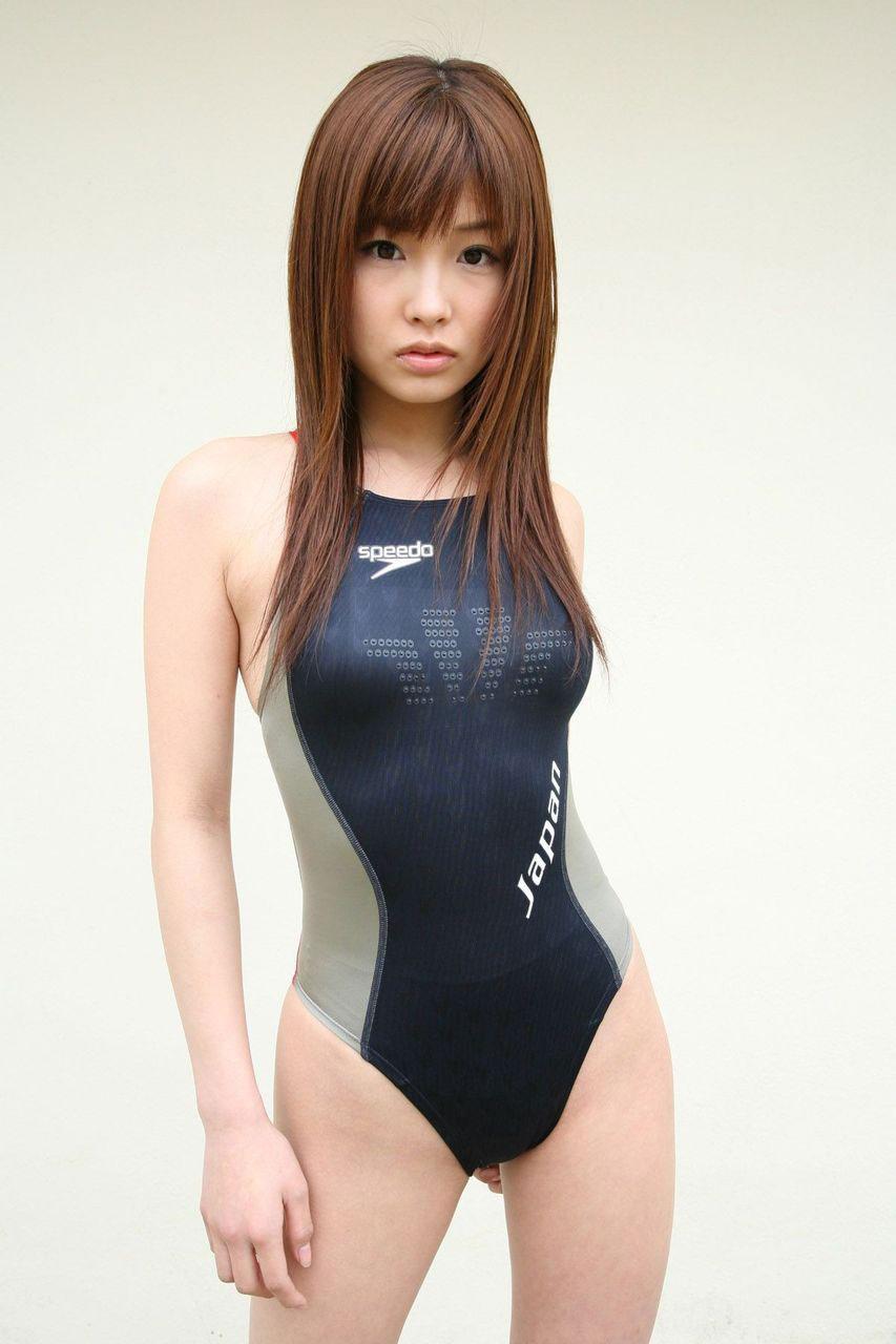 【おっぱい】きっちりとおっぱいが隠されているからこそ中身が気になる競泳水着【31枚】 01