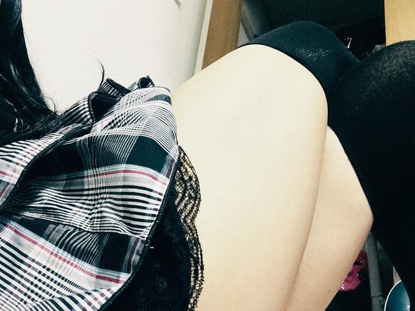 【おっぱい】おっぱいに達するまでの長い時間を体験できる着衣の自撮り画像まとめ!【30枚】 04