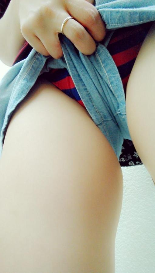 【おっぱい】おっぱいに達するまでの長い時間を体験できる着衣の自撮り画像まとめ!【30枚】 13