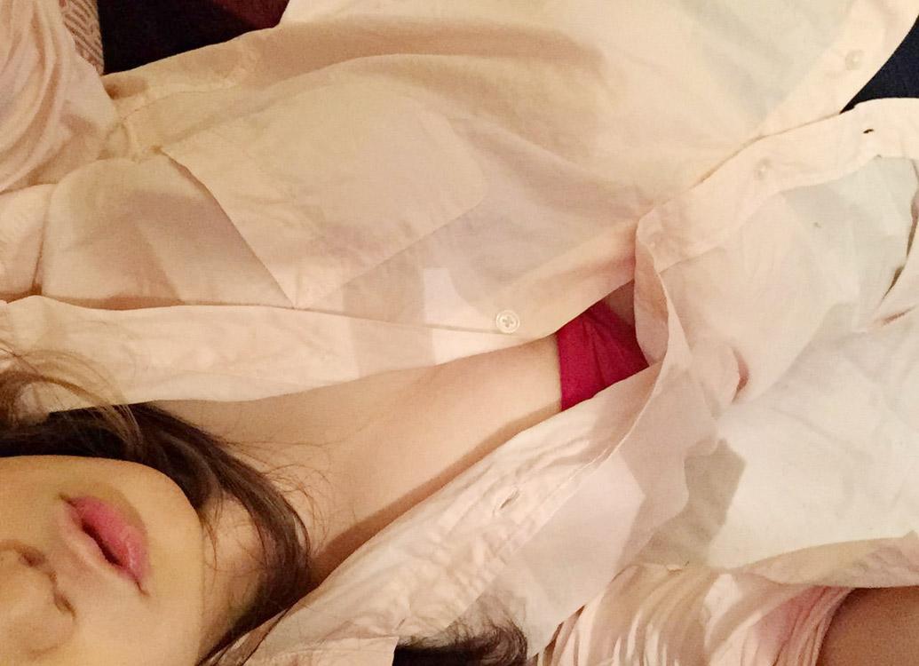 【おっぱい】おっぱいに達するまでの長い時間を体験できる着衣の自撮り画像まとめ!【30枚】 18