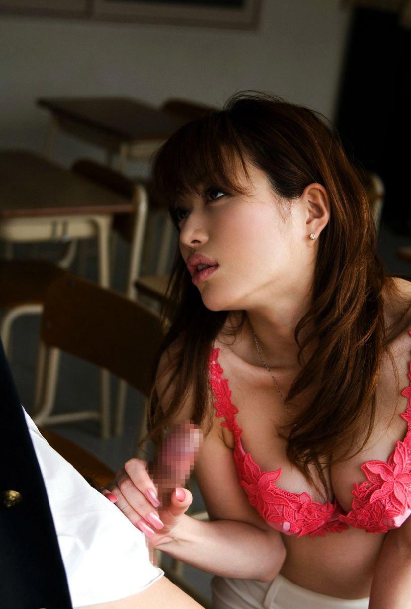 【おっぱい】青春時代にガチで出会いたかったエロい女教師についてwww【35枚】 31