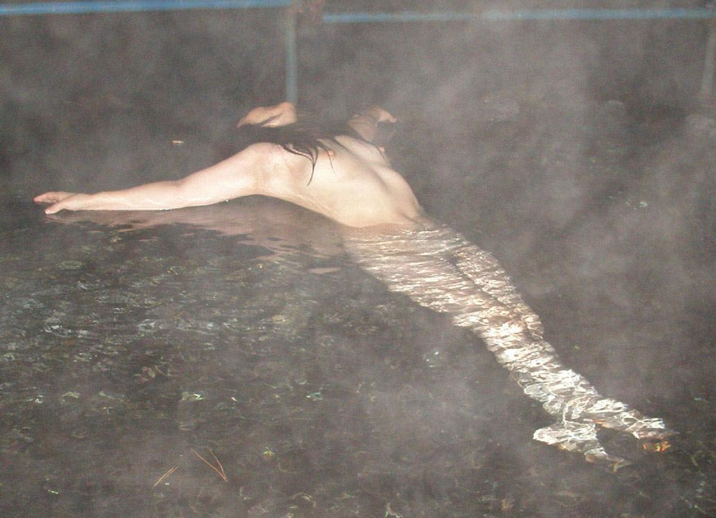 【おっぱい】焦らずに撮影できる露出スポットこと温泉でも素人感は消えないwww【30枚】 19