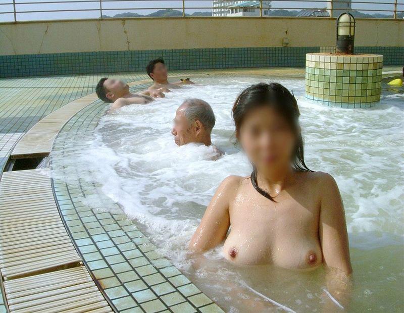 【おっぱい】女性の裸を見る状況を選んでいいと言われたら迷わず温泉を指定するwww【30枚】 25
