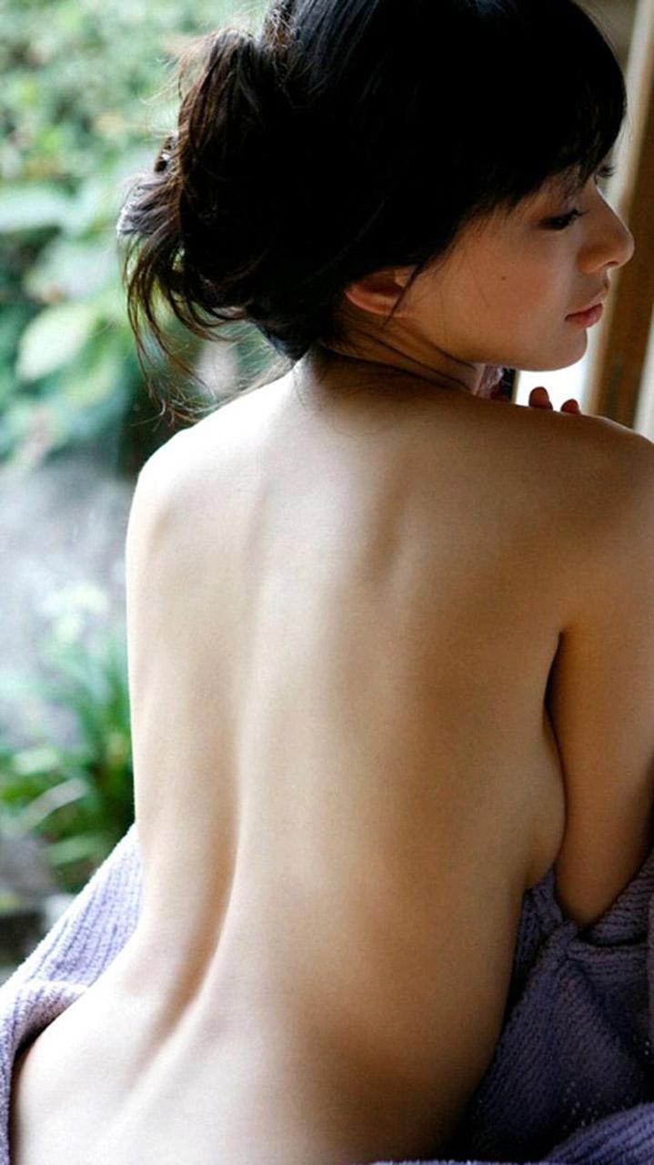 【おっぱい】背中美人の後ろ姿を見ていたらおっぱいが気になって仕方ないwww【32枚】 03