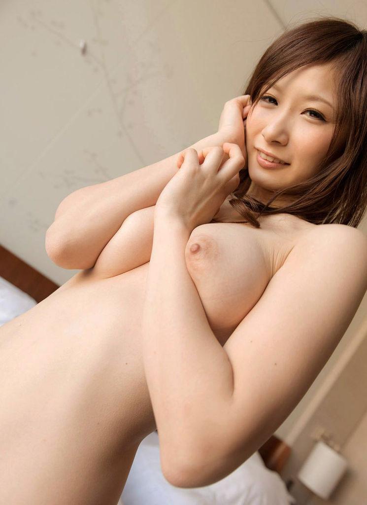 【おっぱい】絹のような美白をしたヌード画像に見る美巨乳のまとめwww【30枚】 03