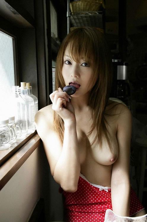 【おっぱい】舌先でチロチロと舐めてアンアン言わせたくなるタイプのおっぱいまとめ!【30枚】 15