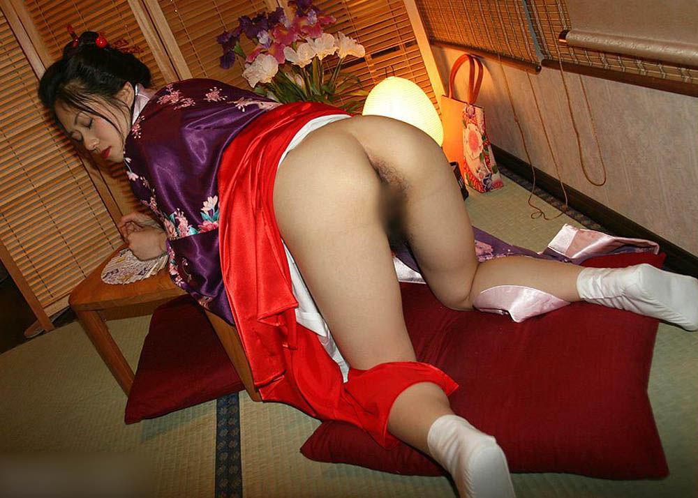 【おっぱい】和服や浴衣が似合う日本的な彼女とイチャコラしたくなる画像まとめ【30枚】 08