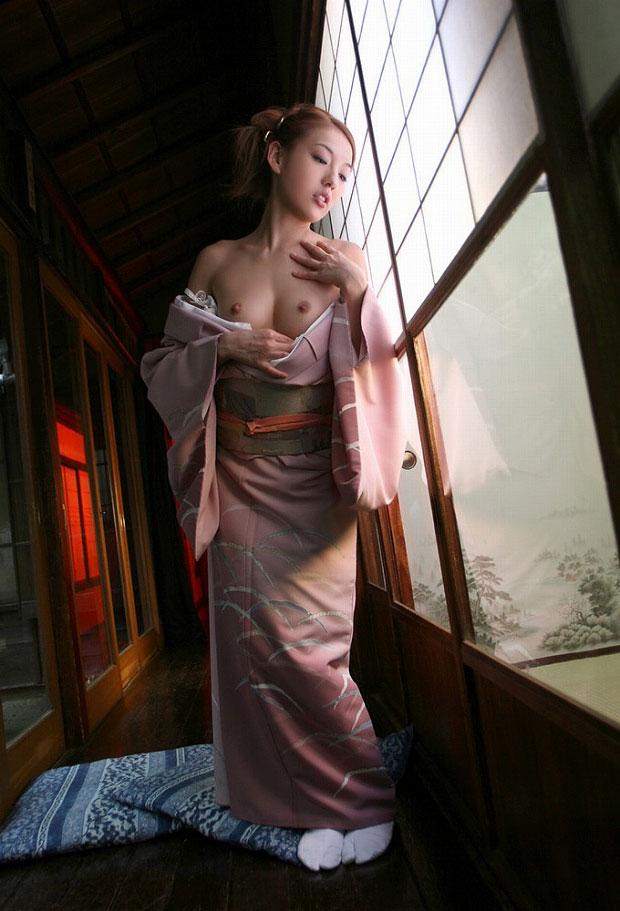 【おっぱい】和服や浴衣が似合う日本的な彼女とイチャコラしたくなる画像まとめ【30枚】 09
