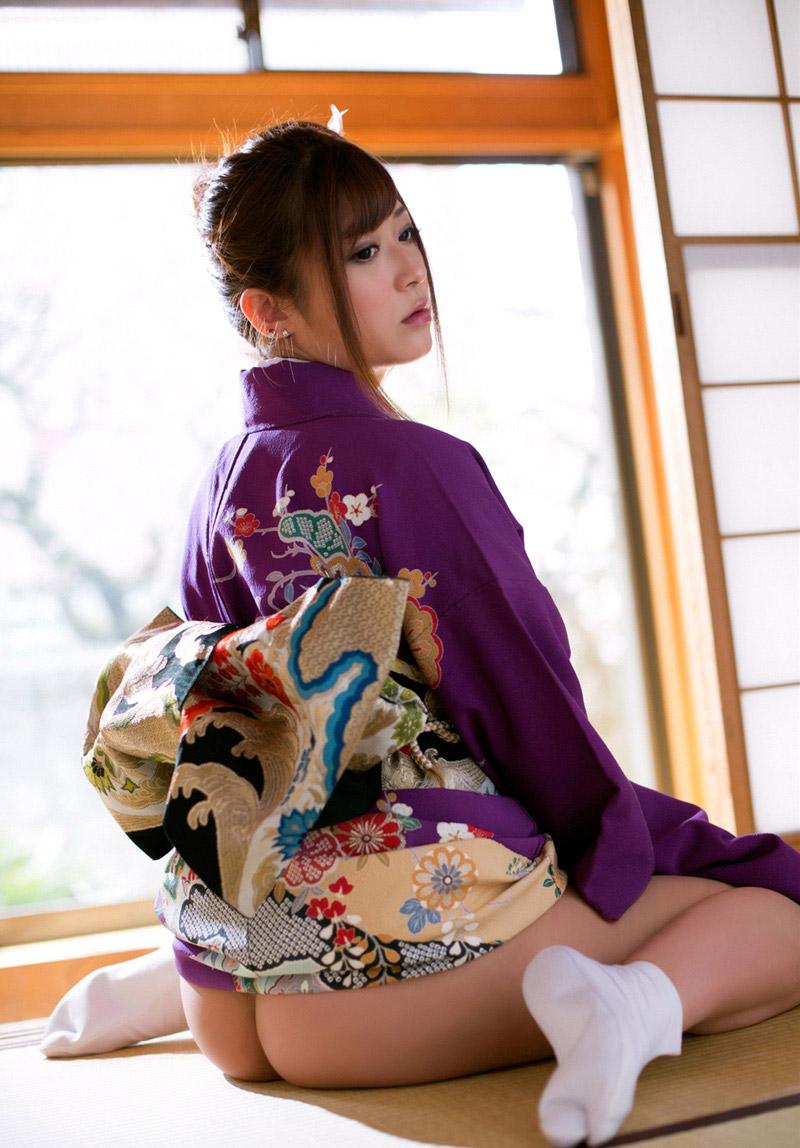 【おっぱい】和服や浴衣が似合う日本的な彼女とイチャコラしたくなる画像まとめ【30枚】 30