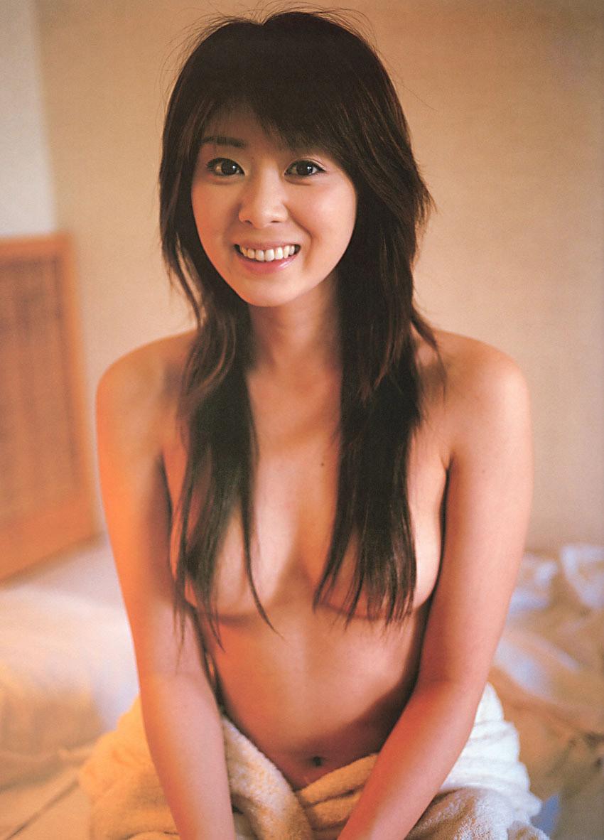 【おっぱい】トップレスなのに乳首だけは守れてしまう髪ブラというマジックwww【36枚】 24