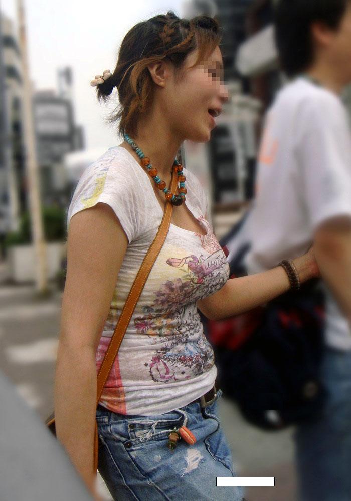 【おっぱい】暖かくなってくると巨乳が強調されるファッションが増えていいwww【30枚】 06