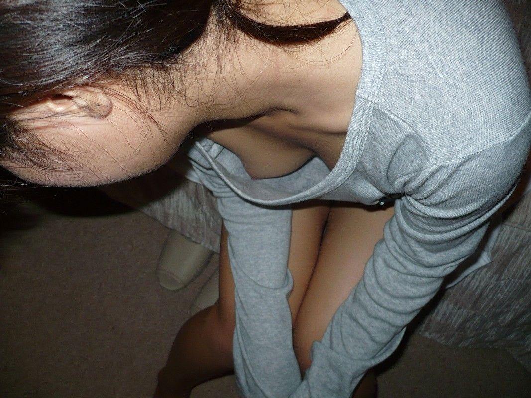 【おっぱい】ブラなしで乳首が立ってしまうとポチるのは当然でしたwww【31枚】 04