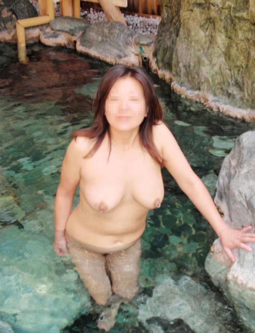 【おっぱい】露出スポットに悩んでいる素人さんが行き着くところ、それが温泉www【30枚】 06