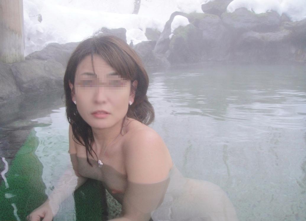 【おっぱい】露出スポットに悩んでいる素人さんが行き着くところ、それが温泉www【30枚】 14