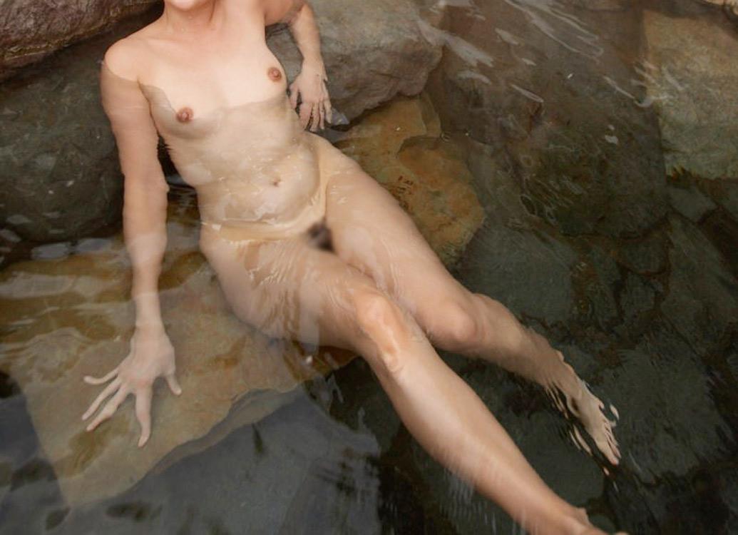 【おっぱい】露出スポットに悩んでいる素人さんが行き着くところ、それが温泉www【30枚】 16