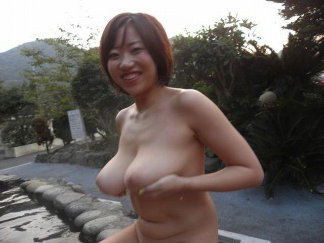 【おっぱい】露出スポットに悩んでいる素人さんが行き着くところ、それが温泉www【30枚】 18