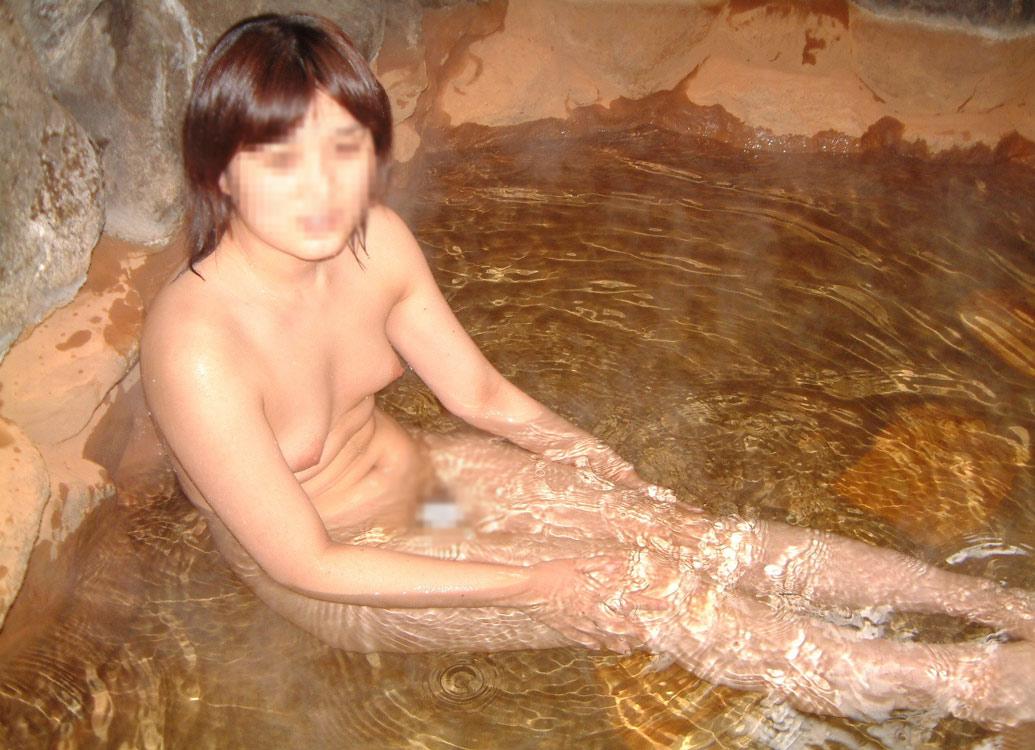 【おっぱい】露出スポットに悩んでいる素人さんが行き着くところ、それが温泉www【30枚】 19