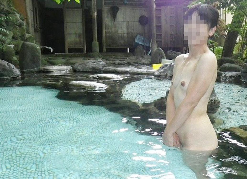 【おっぱい】露出スポットに悩んでいる素人さんが行き着くところ、それが温泉www【30枚】 21