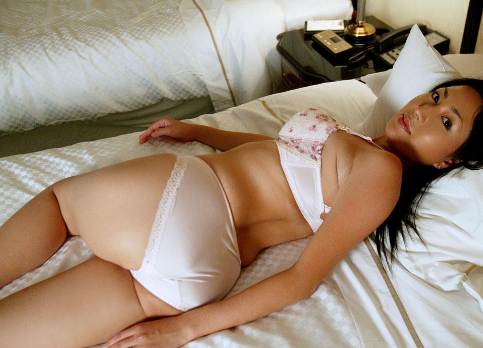 【おっぱい】どんだけ美魔女が増えていても、やっぱり熟女は熟女らしい体型がいいwww【31枚】 01
