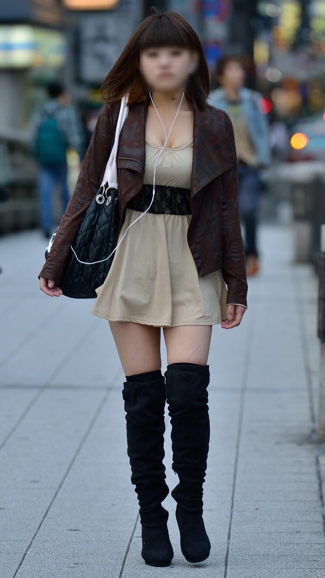 【おっぱい】春になると気分も服装も大胆になるからおっぱいも膨らんじゃうよね!【30枚】 16