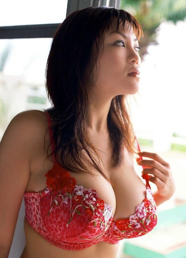 【おっぱい】小さいおっぱいが好きって人も巨乳を見ると「おっ!」ってなっちゃうんでしょ?【30枚】 06