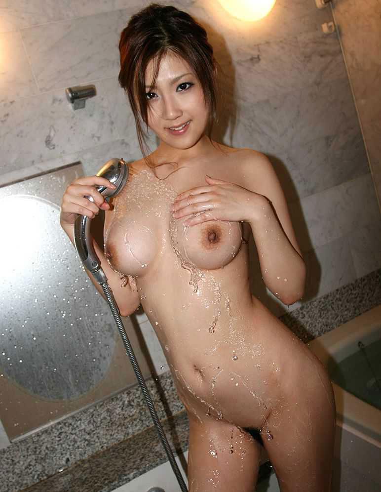 【おっぱい】シャワーで体をキレイキレイしている女性を見ると、すぐにでも抱きたくなるwww【29枚】 03