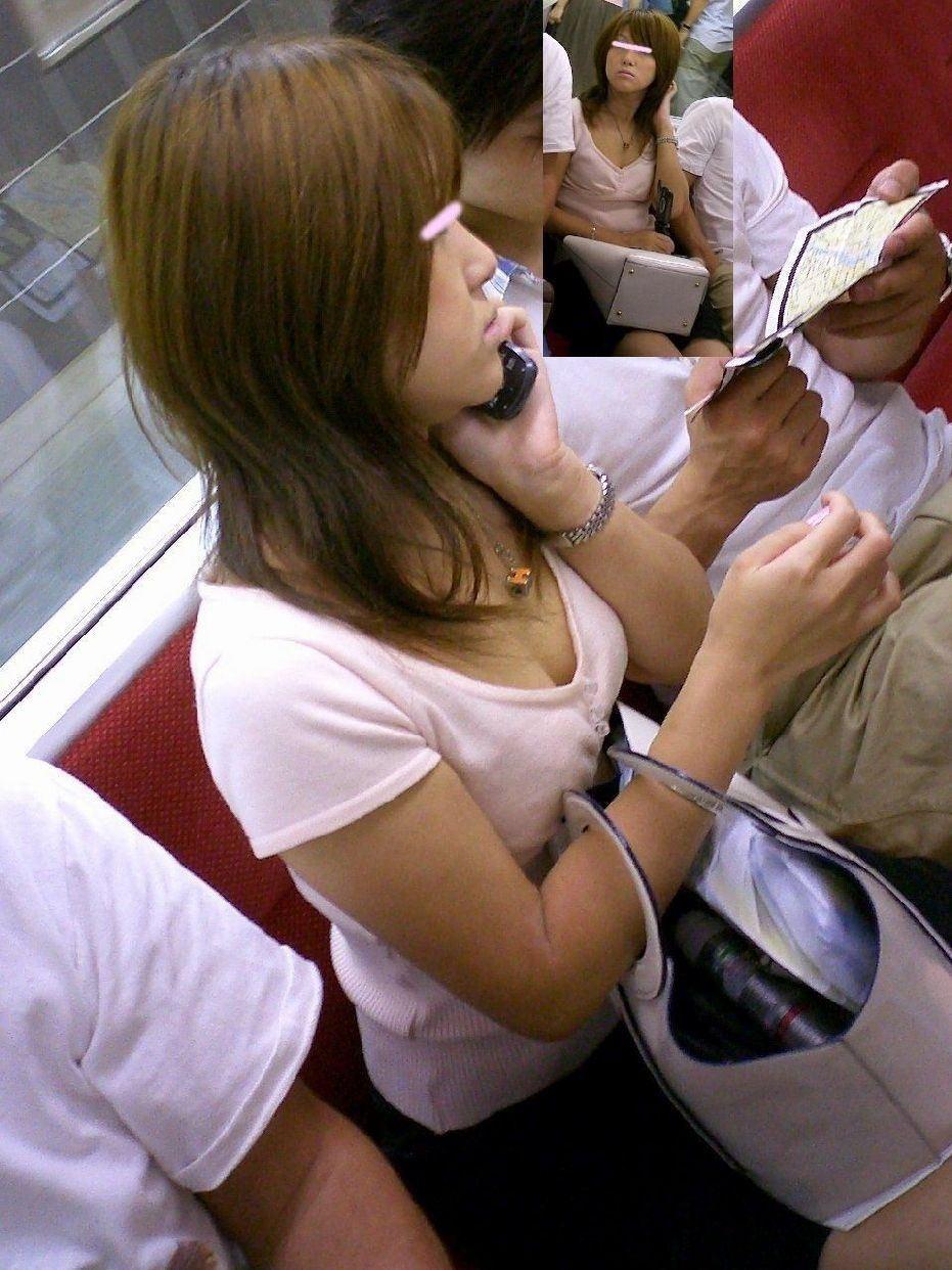 【おっぱい】電車で座れたと思って気を抜いた女の子は胸元がガラ空きという噂www【30枚】 15