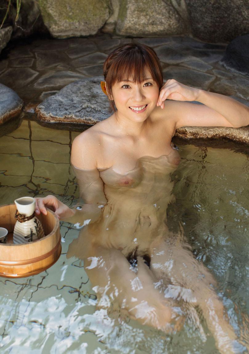 【おっぱい】こんな美女と一緒に温泉に入れたらそれだけで人生勝ち組www【32枚】 17