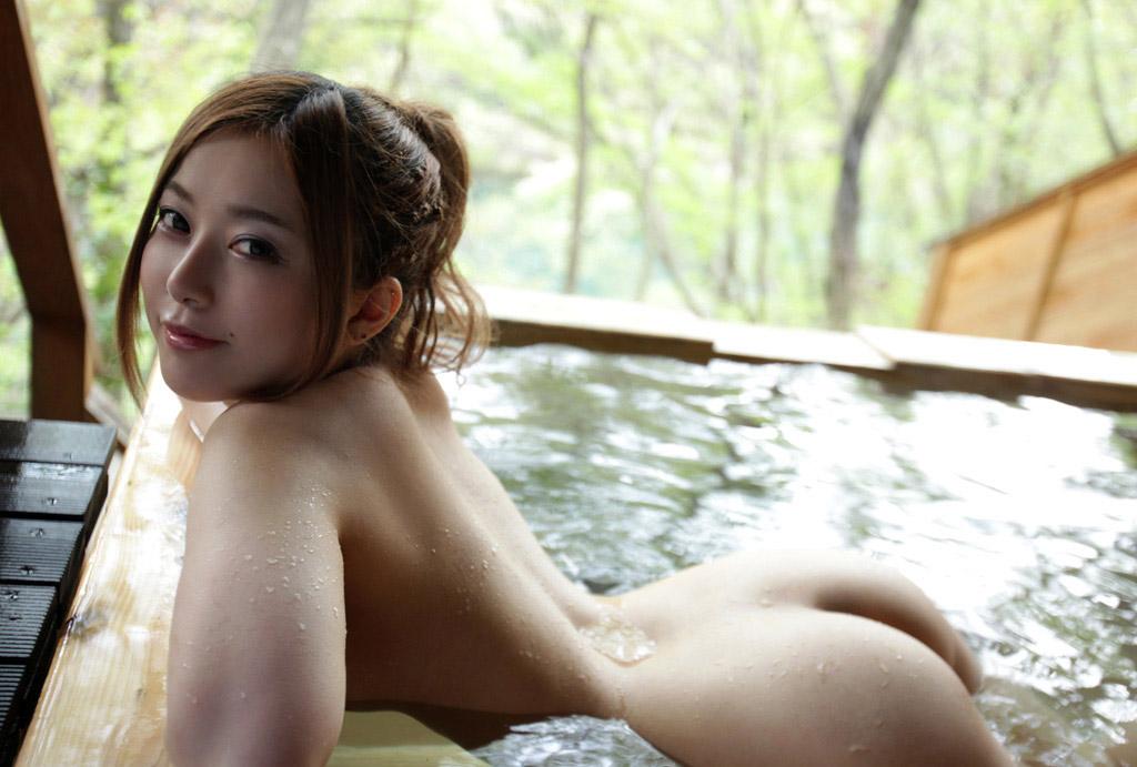 【おっぱい】こんな美女と一緒に温泉に入れたらそれだけで人生勝ち組www【32枚】 26