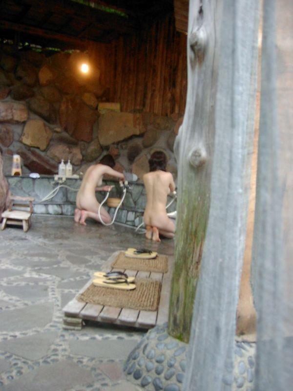 【おっぱい】だいたいの女の子がどんなおっぱいをしているのかよくわかる温泉覗き画像www【30枚】 20