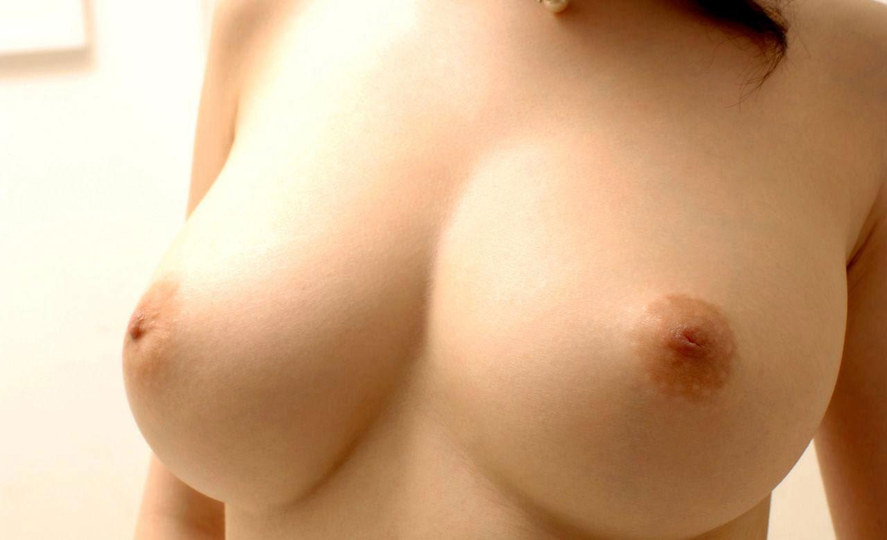 【おっぱい】巨乳だから陥没乳首になるのか、陥没乳首は巨乳じゃないとならないのか【28枚】 03