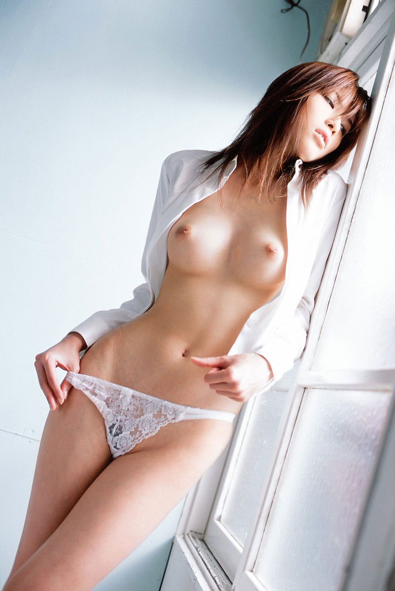 【おっぱい】巨乳だから陥没乳首になるのか、陥没乳首は巨乳じゃないとならないのか【28枚】 20