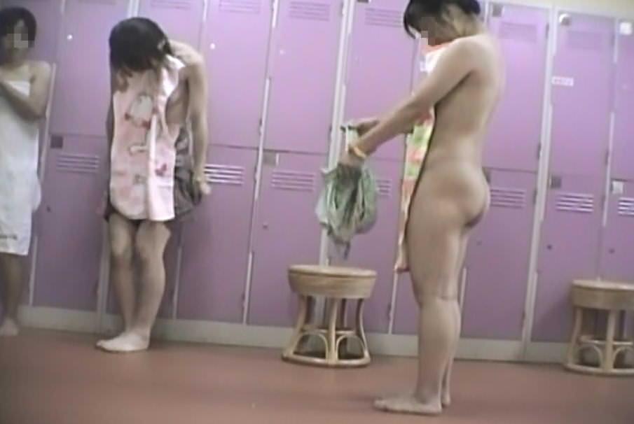 【おっぱい】男のロマンである脱衣所への乱入を妄想するのにベストな画像たちwww【30枚】 06