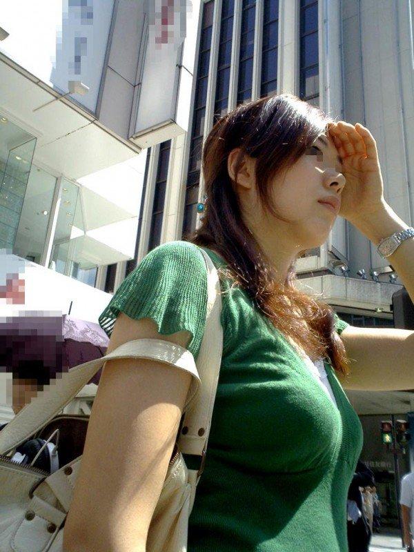 【おっぱい】どうしてもおっぱいにしか目がいかない巨乳素人さんの街撮り画像www【30枚】 27