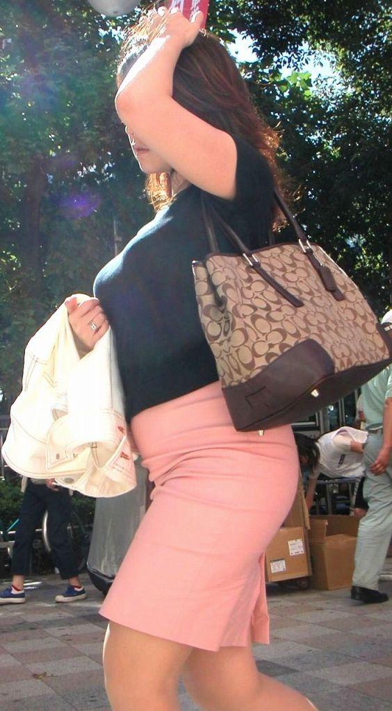 【おっぱい】どうしてもおっぱいにしか目がいかない巨乳素人さんの街撮り画像www【30枚】 28