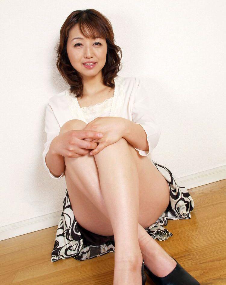 【おっぱい】最近の熟女ってみんなこんなにキレイな人ばっかりなの?w【29枚】 03