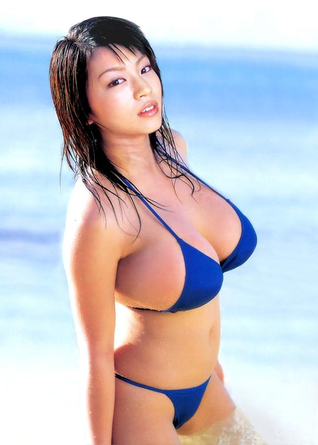 【おっぱい】早くプールや海開きして欲しいと思ってしまう水着姿のエロ画像まとめ!w【28枚】 22