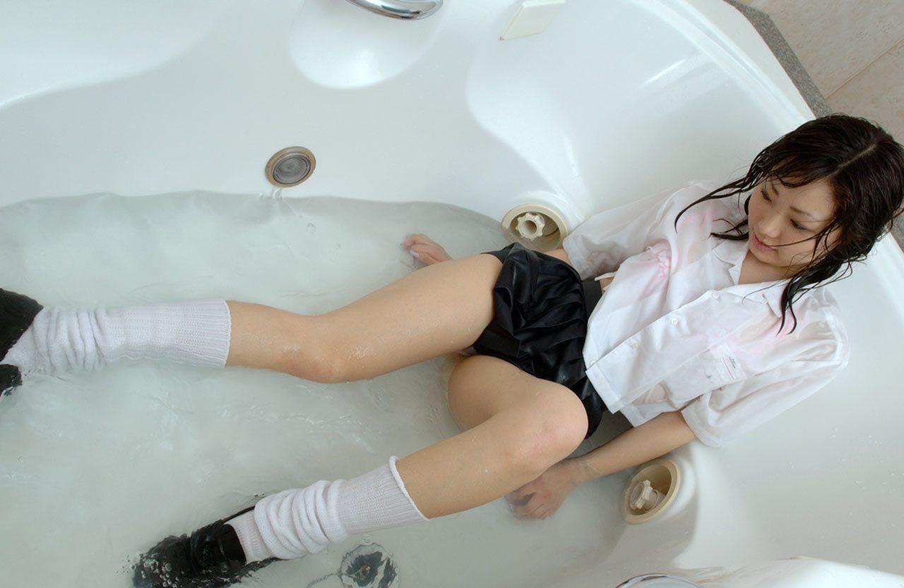 【おっぱい】いつか夏になったらおっぱいスケスケのファッションが普通になることを願って!w【30枚】 10