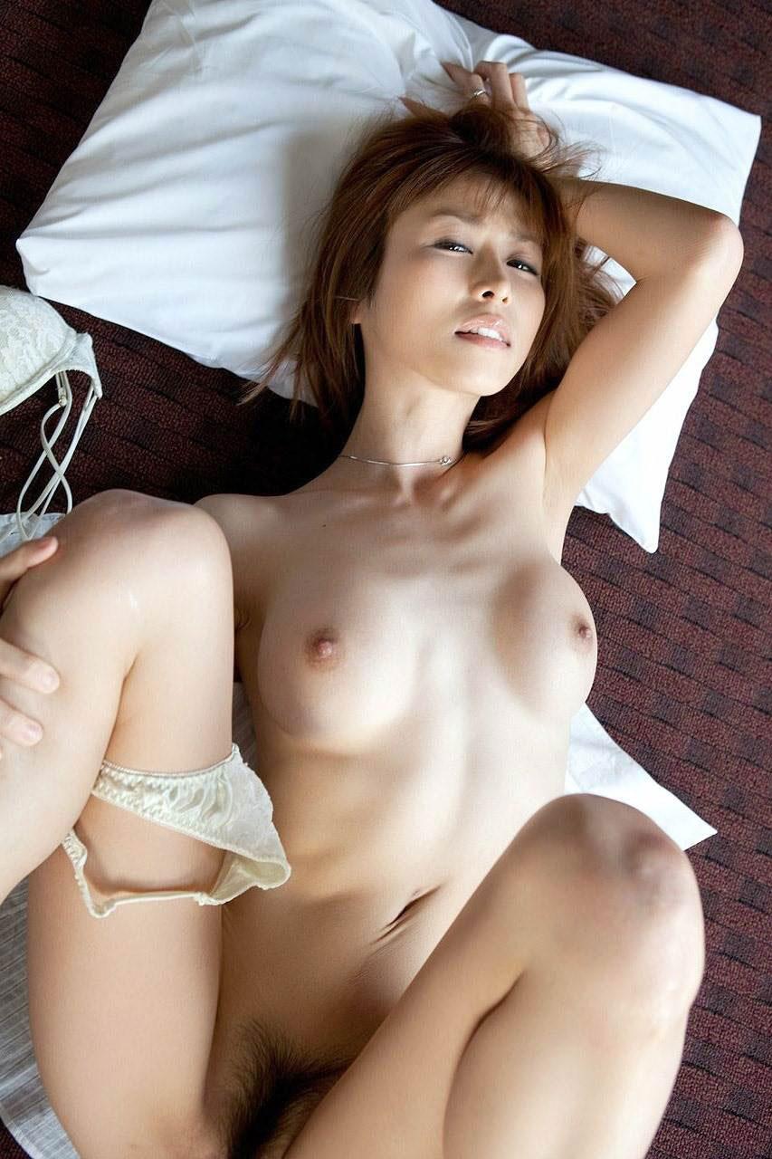 【おっぱい】王道中の王道であり定番中の定番である正常位のセックス画像は飽きがこないwww【30枚】 22