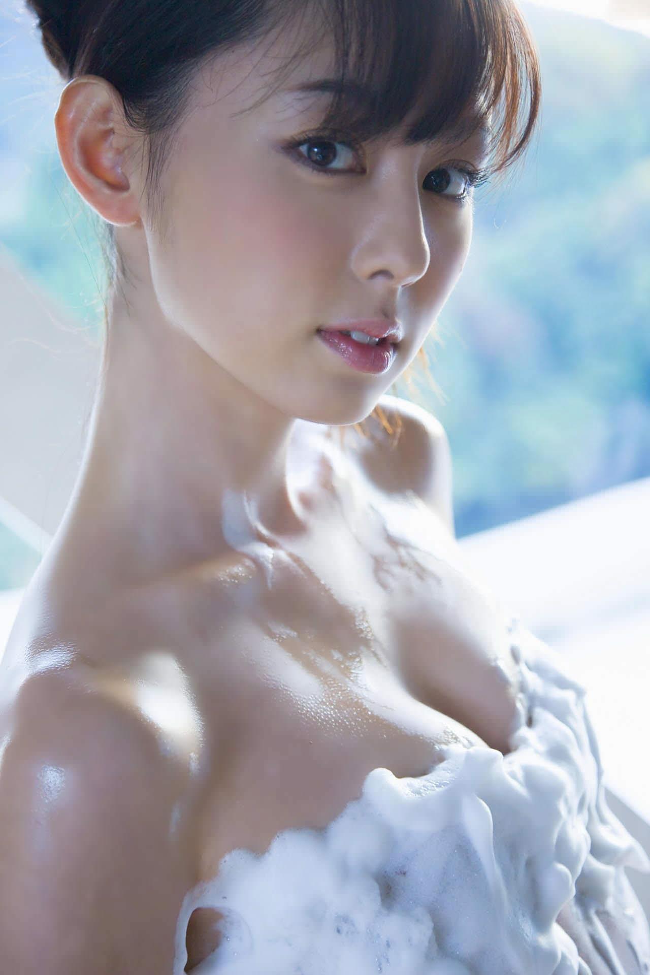 【おっぱい】邪魔だけど邪魔じゃない不思議な泡風呂と女体の相性www【28枚】 17