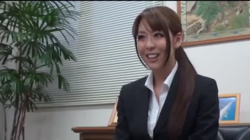 【エロ動画】営業にきたOLにチン○を差し出してスーツを無茶苦茶にするリーマンwww【OL】 表紙