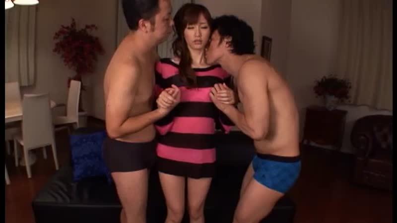 自称早漏の見覚えのある男優さん二人とロングセックスする絵色千佳!