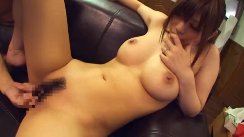 欲求不満な巨乳若妻が友達の紹介で個人撮影会に挑んだ結果www