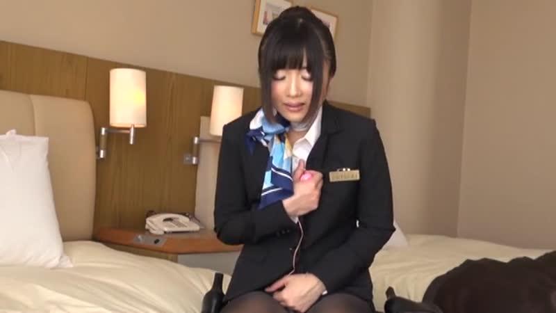 【エロ動画】高級ホテルのルームサービスのお姉さんが電マをみつけてオナニー!w【素人】 表紙