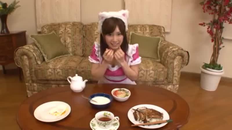 小島みなみが猫耳メイドになってあざとくフェラ抜きしてくれる主観動画!
